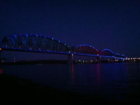 Living Fearless at a Night Bridge